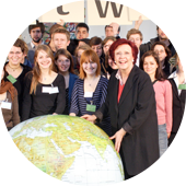Group photo with Minister Heidemarie Wieczorek-Zeul at the weltwärts launch celebrations.